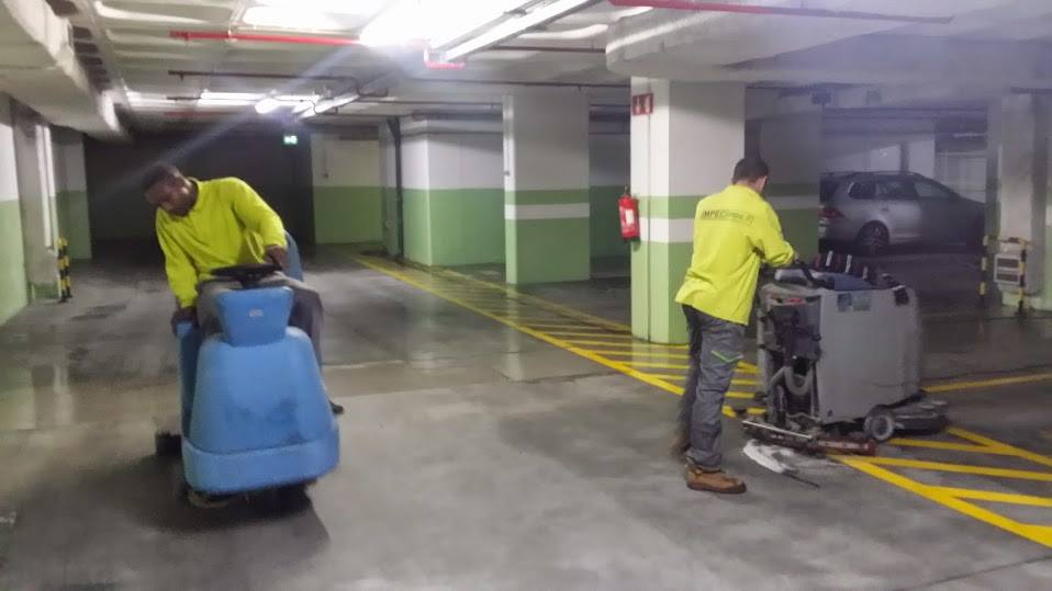 Limpeza de Garagens em Lisboa por ImpecLimpa Serviços de Limpeza