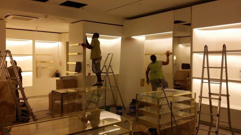 Limpeza de Espaços Comerciais Lojas Escritórios por ImpecLimpa Serviços de Limpeza