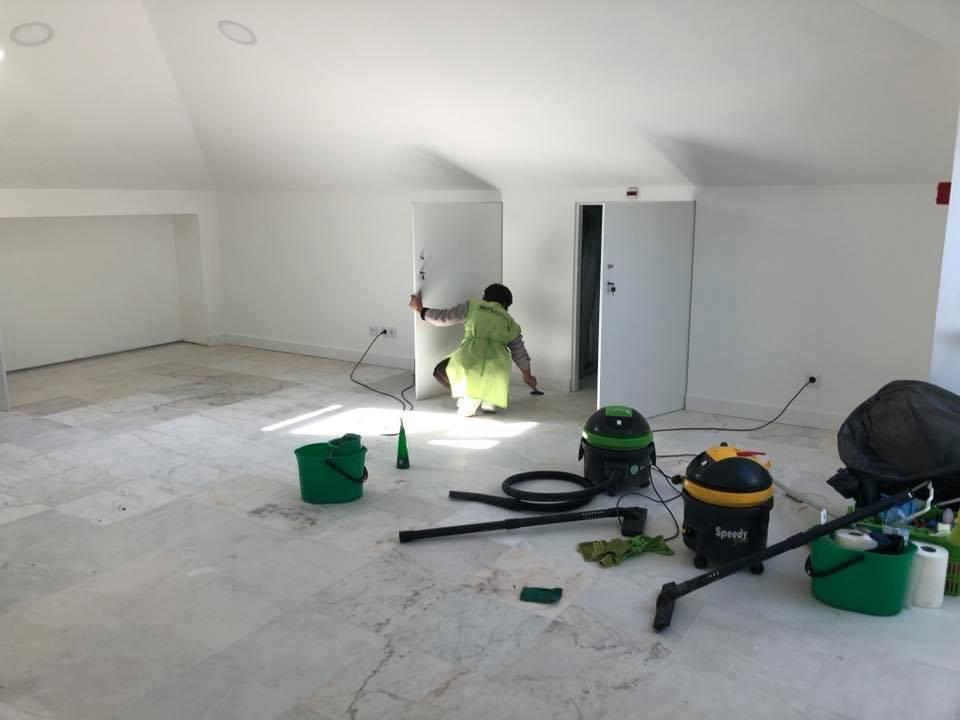 Limpeza Geral Pós-Obra Colégio Lisboa por ImpecLimpa Serviços de Limpeza e Manutenção