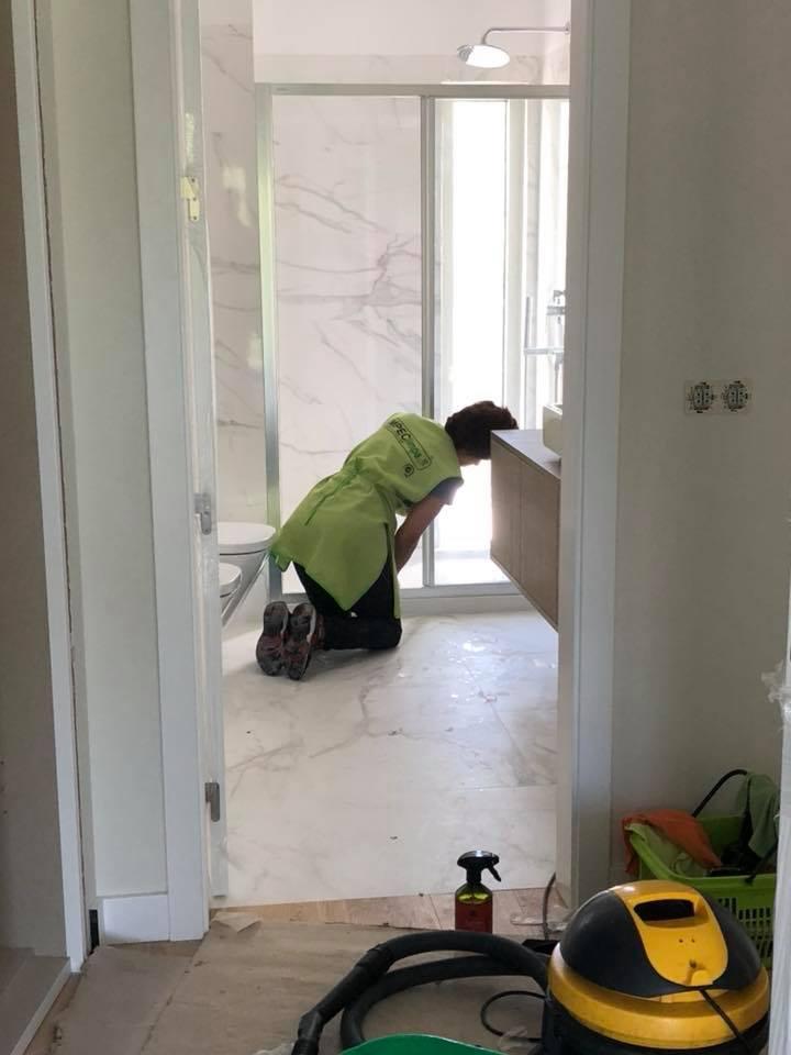 Serviço Limpeza Geral de 7 Apartamentos, Espaços Comuns de 5 Pisos, Parqueamento de 1 Piso ImpecLimpa Serviços de Limpeza